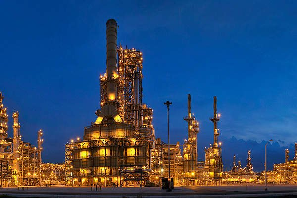 نرم افزار نفت و گاز ملک از برترین های ما است